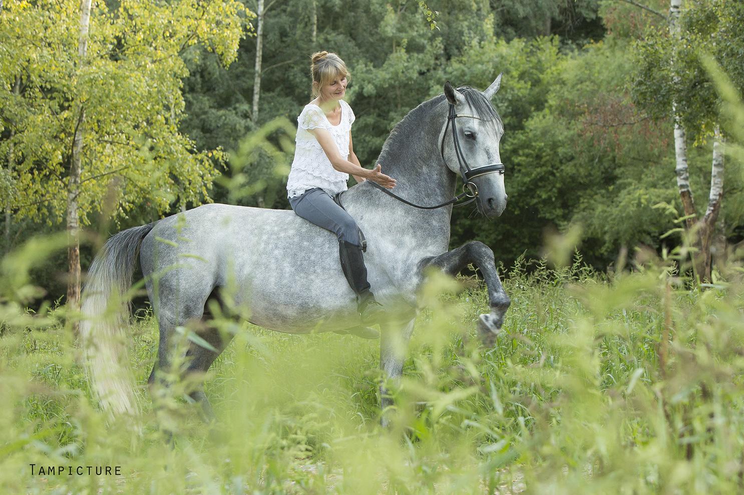 Retour sur expérience de Gitti, monitrice formée par l'institut du cheval et de l'équitation portugaise
